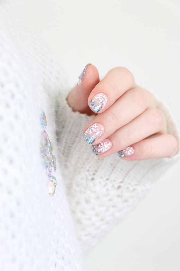 nail-art-flocons-snowflakes-1