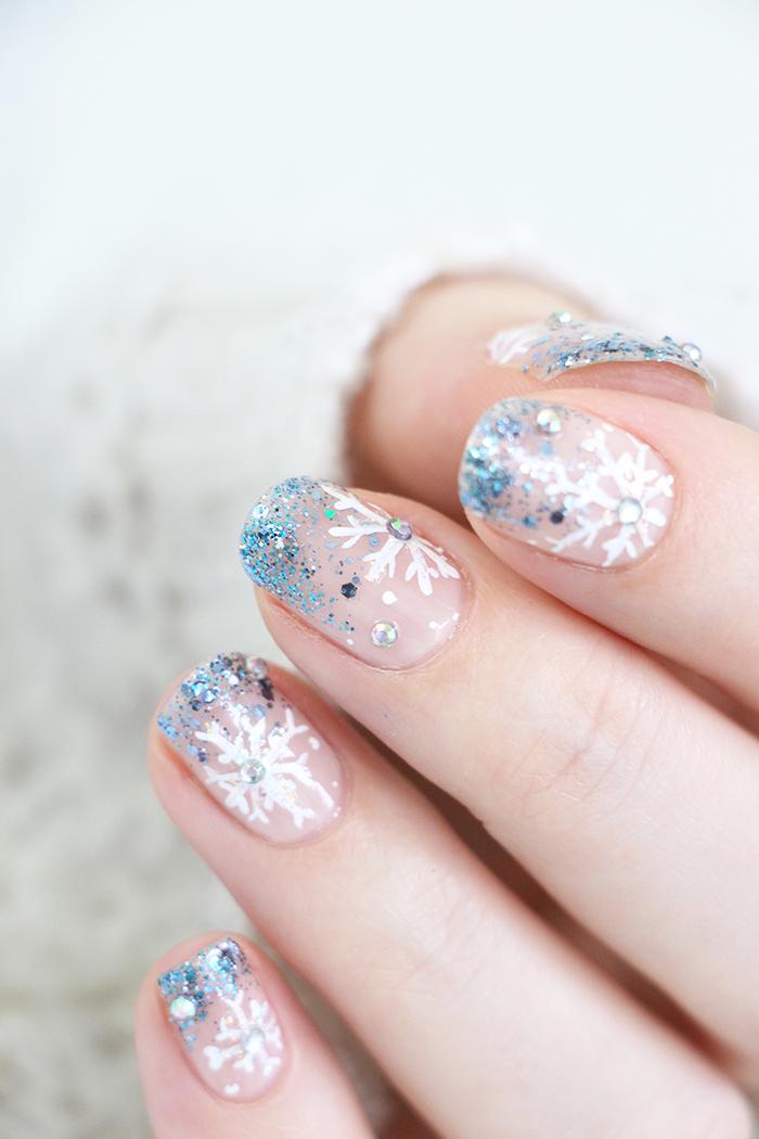 nail-art-flocons-snowflakes-4